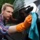 『洗車傷や水ジミをつけずに美しく』磨き職人の洗車